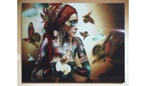 Cuadro mujer con mariposas