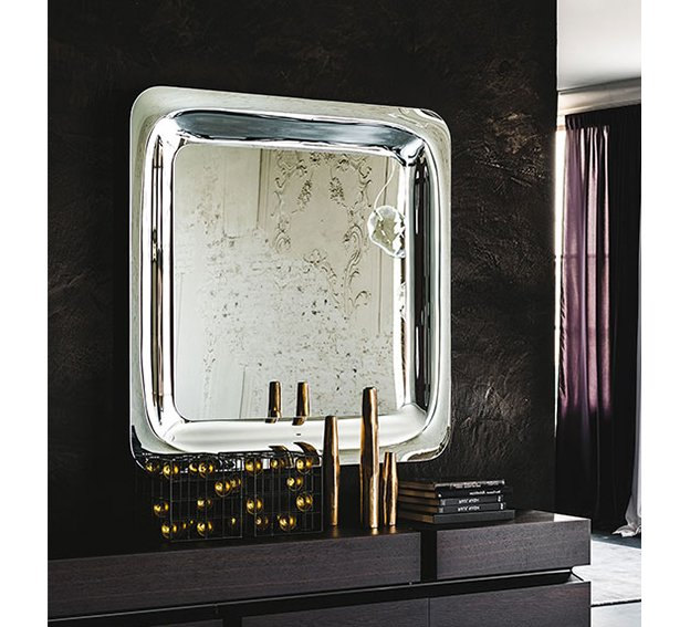 Espejo moderno Glenn Cattelan