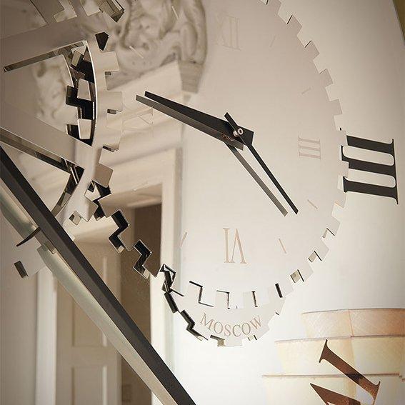 Espejo reloj moderno Times Cattelan