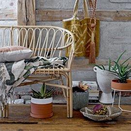 Bancos y taburetes de jardín