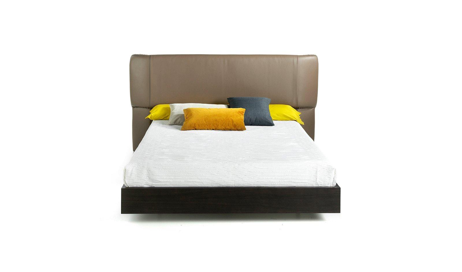 Cama moderna roble y piel Lia para colchón 150x200