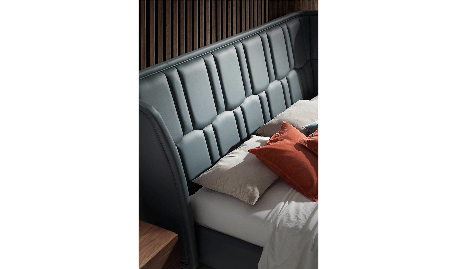 Cama tapizada piel Giuseppe para colchón 180x200