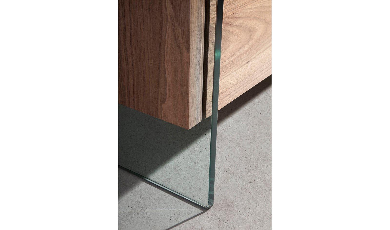 Aparador moderno nogal y patas cristal  Vele