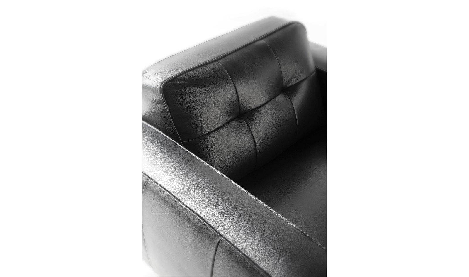 Butaca moderna nogal y piel Civetta