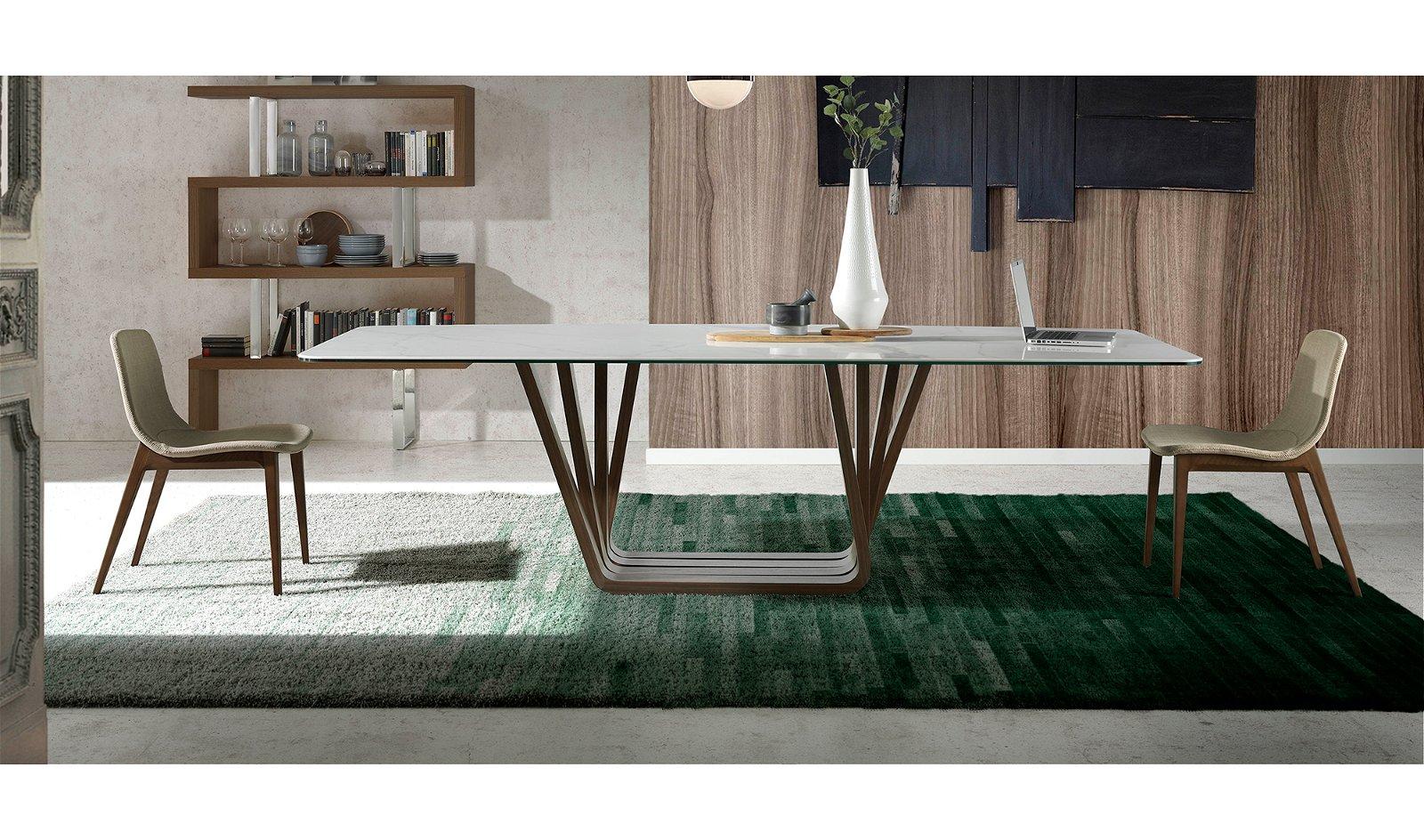 Silla moderna tapizada y nogal Piscero