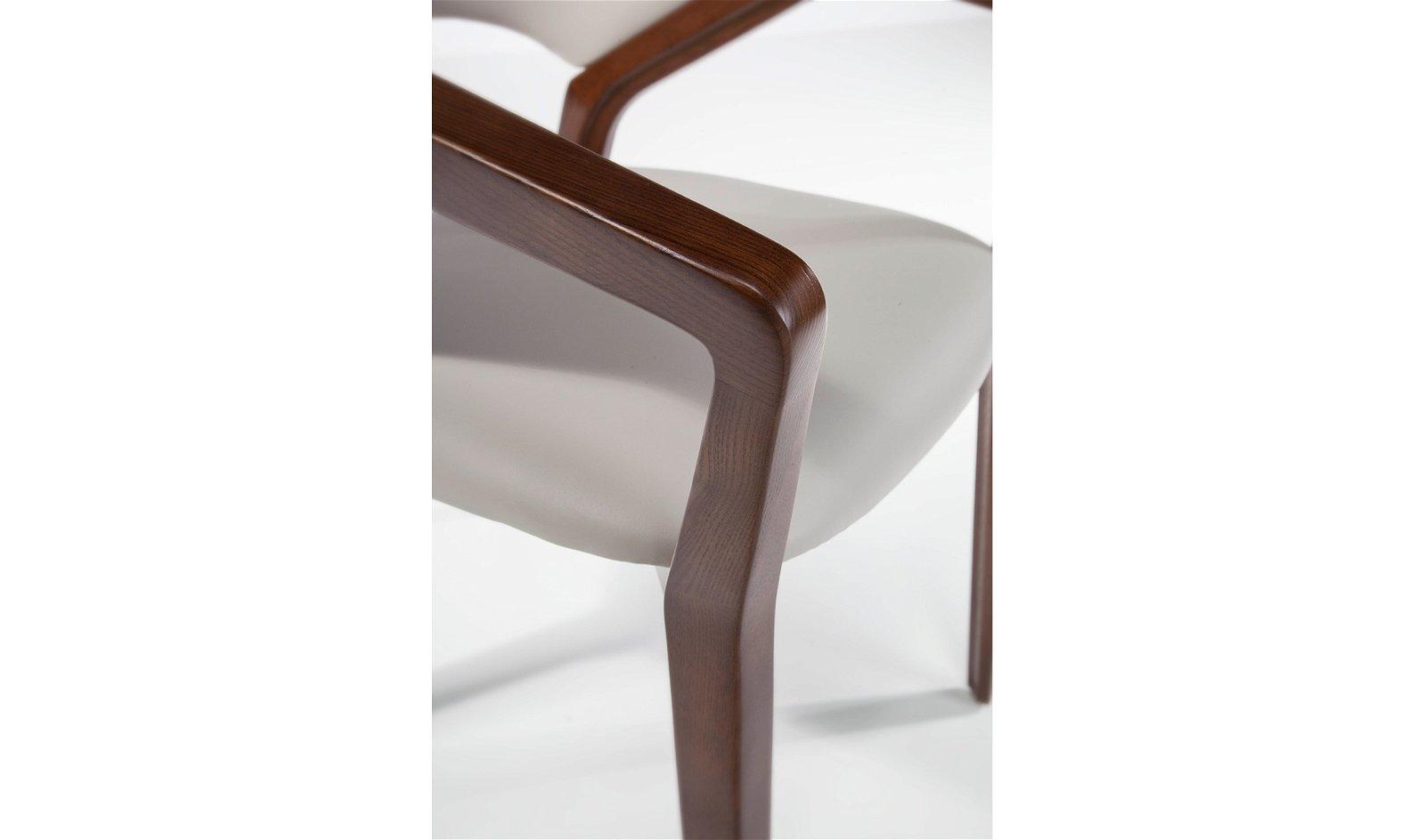 Sillón moderno tapizado y nogal Scilla