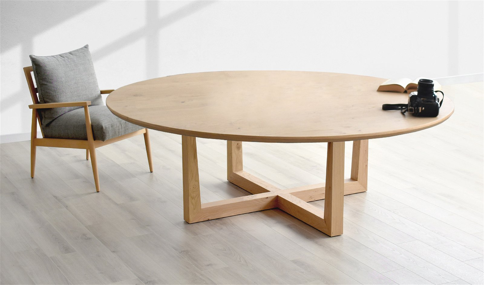 Mesa de comedor redonda nórdica Ostein
