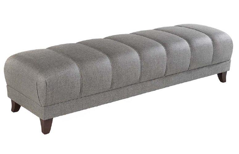 Pie de cama tapizado con agallones Enzo
