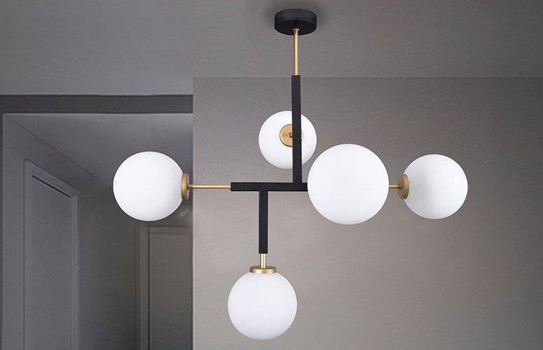 Lámpara techo dorada mate 5 bolas de cristal