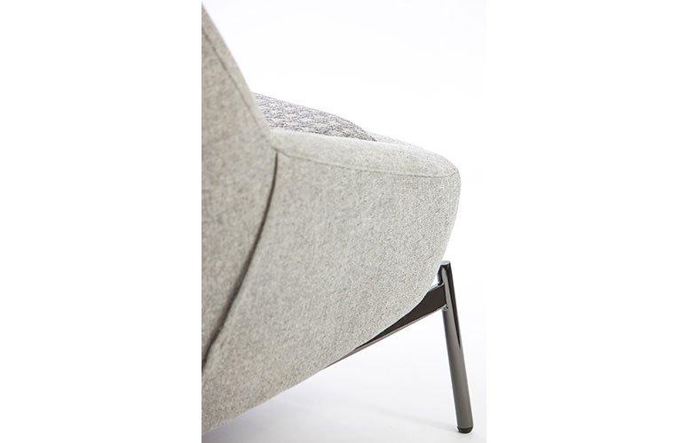 Butaca tapizada de diseño Guller