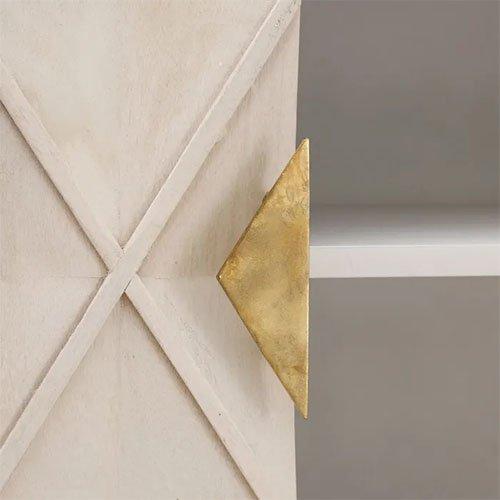 aparador blanco rozado con dorado