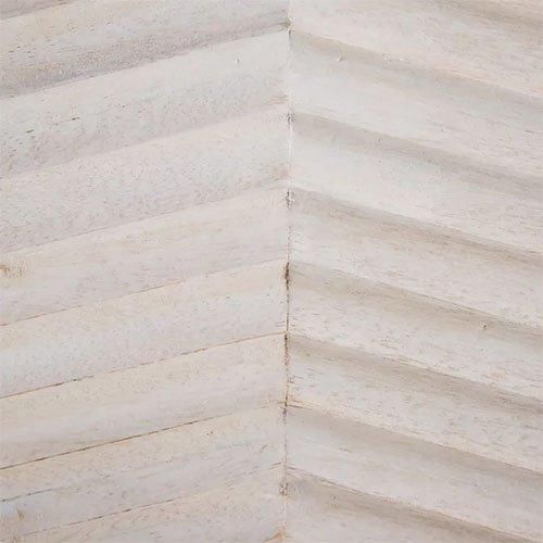 Aparador vintage de madera blanca rasgada