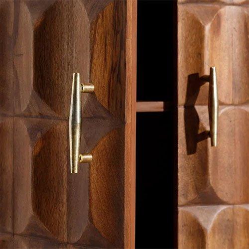 aparador vintage de madera y hierro