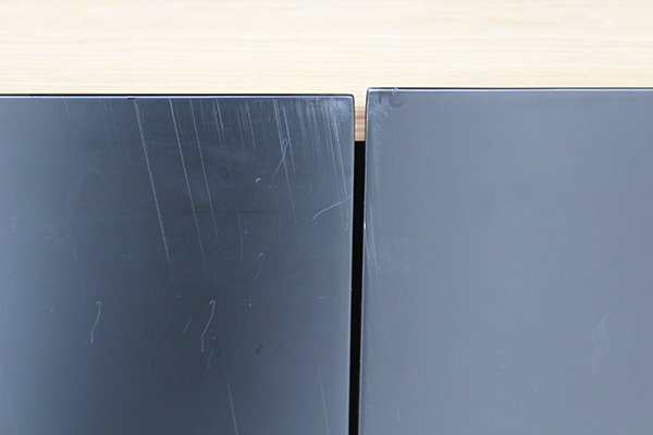 Aparador 3 puertas negro de diseño Arista con defectos