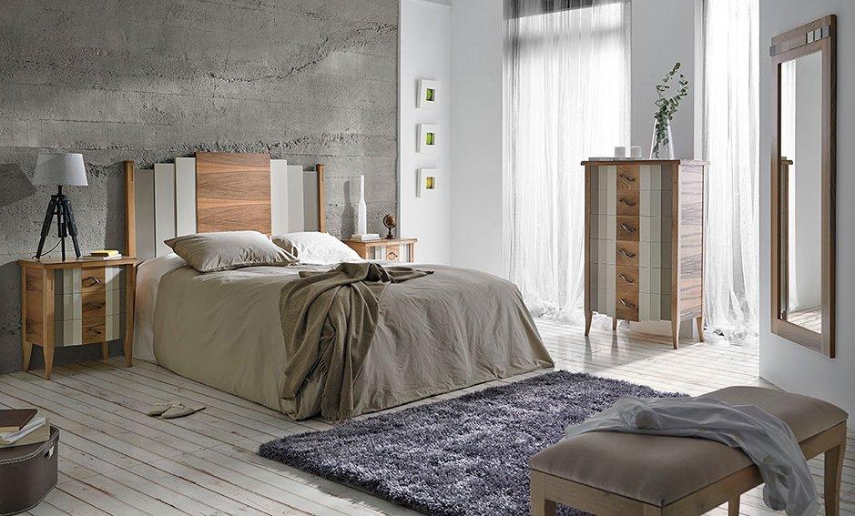 Pie de cama vintage Zeus