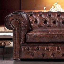 Muebles de cuero marrón