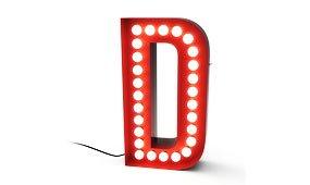 Aplique letra D color rojo