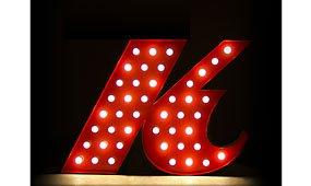 Aplique letra K color rojo
