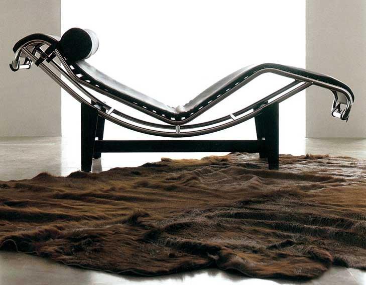 Chaise Longue Piel Negra Corbu