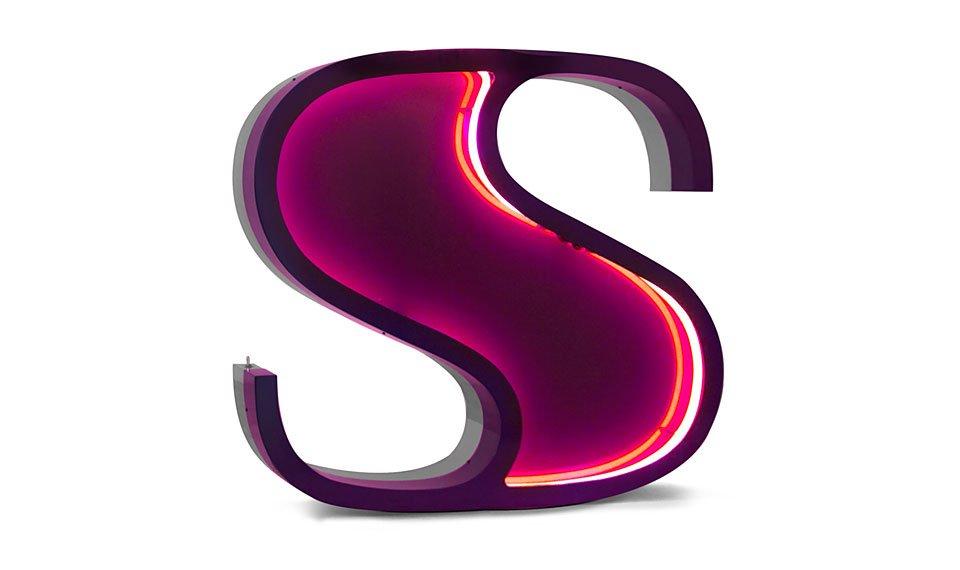 Aplique letra S color morado
