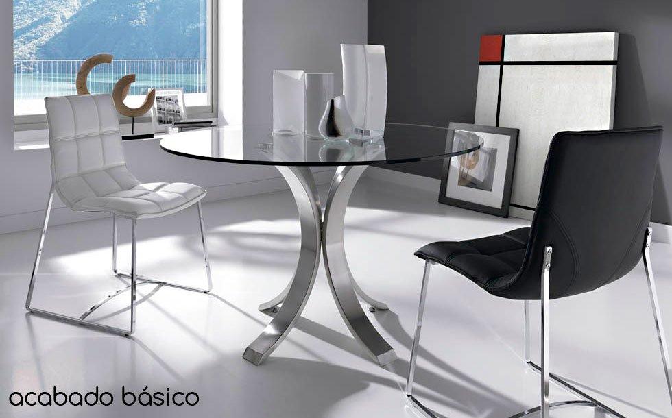 Mesa de comedor redonda de diseño Maddox