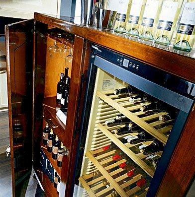 Detalle vinoteca Montepulciano